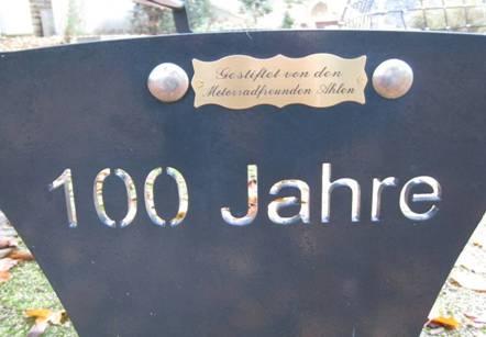 Bank_100Jahre_002